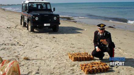 i-carabinieri-e-lesplosivo-sullla-spiaggia-di-torre-rinalda